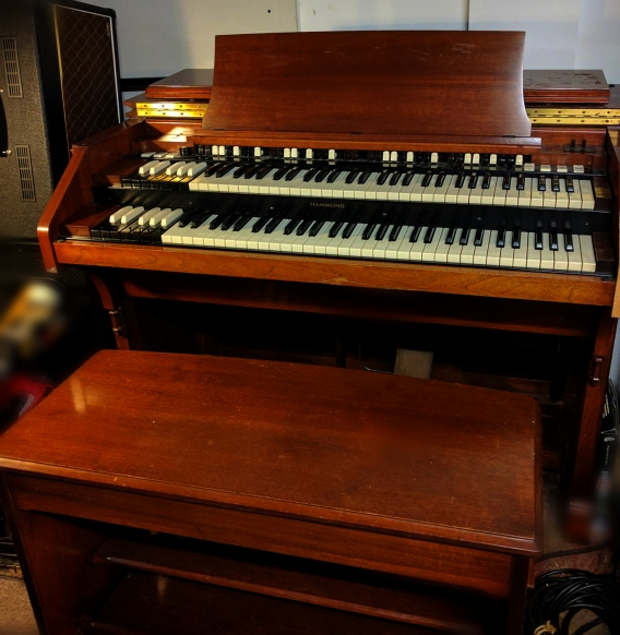 Bench and all! (Hammond C3 '56)